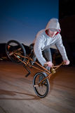Bmx training at night Royalty Free Stock Photography