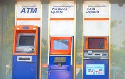 Bnagkok, Thailand, 6,2018 Februari, ATM, CDM, de Machine van de Bankboekjeupdate Stock Afbeeldingen