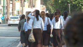 Bnei Brak Izrael Około 2011, - ruchliwa ulica z ortodoksyjny żyd chodzić zdjęcie wideo