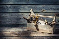 Boîte à outils de charpentiers de vintage images libres de droits