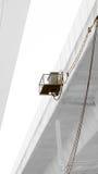 Boîte électronique de câble sur le pont photographie stock libre de droits