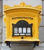 Boîte aux lettres allemande historique Photographie stock libre de droits