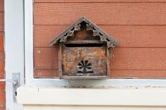 Boîte aux lettres en bois Photos libres de droits
