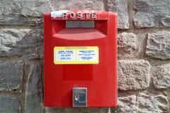 Boîte aux lettres rouge italienne Photos stock