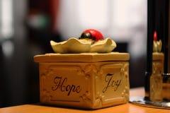 Boîte avec surprise Images stock
