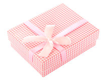 Boîte-cadeau à carreaux de rose et blanc Photo libre de droits