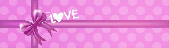 Boîte-cadeau avec le lettrage rose d'amour de vue supérieure d'arc et de ruban sur Violet Background Horizontal Banner rose Image stock