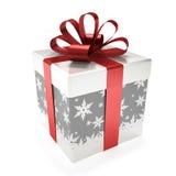 Boîte-cadeau avec le ruban rouge d'isolement sur le fond blanc Images stock