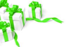 Boîte-cadeau blanc avec l'arc vert de ruban Image stock