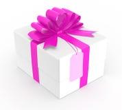 Boîte-cadeau blanc enveloppé avec l'arc de goupille Images libres de droits