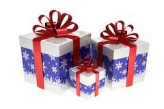 Boîte-cadeau bleus avec le ruban rouge Image libre de droits