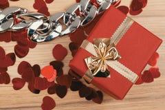 Boîte-cadeau d'amour de Valentine Photos libres de droits