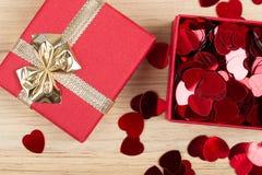 Boîte-cadeau d'amour de Valentine Photo libre de droits