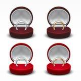 Boîte-cadeau de bijoux ouvert par velours rouge rond clair avec Diamond Ring Photos stock