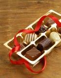 Boîte-cadeau de bonbons au chocolat Photos libres de droits