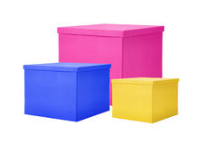 Boîte-cadeau de couleur de papier d'isolement sur le blanc Photographie stock libre de droits