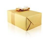 Boîte-cadeau en papier d'or Photo stock