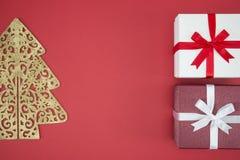 Boîte-cadeau en vente de jour de Noël et lendemain de Noël d'achats Photographie stock
