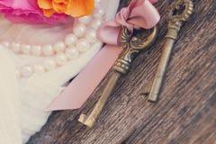 Boîte-cadeau et clés Image libre de droits