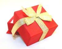 Boîte-cadeau rouge image stock