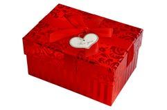 Boîte-cadeau rouge avec l'arc de ruban de satin Photo stock