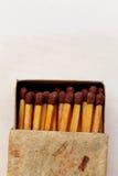 Boîte d'allumettes d'isolement sur le fond blanc Photographie stock libre de droits