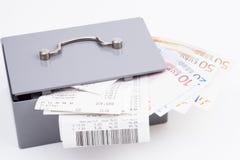 Boîte d'argent liquide Images stock