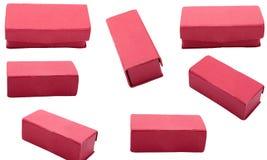 Boîte de bijoux rouge sur le fond blanc d'isolement Photographie stock