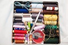 Boîte de kit de couture Images stock