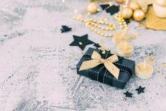 Boîte de Noël de luxe de cadeau photos stock