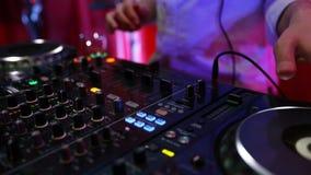 Boîte de nuit de mélange du DJ Ampoules de clignotement banque de vidéos