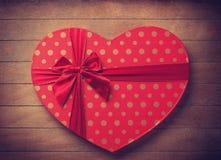 Boîte de valentine de forme de coeur Photographie stock