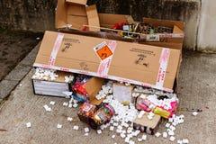 boîte en carton de feux d'artifice de pétard après partie Photographie stock libre de droits