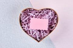 Boîte en forme de coeur et carte Images libres de droits