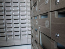 Boîte et salle du courrier de lettre Image stock