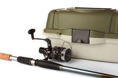 Boîte pour l'attirail et la canne à pêche images libres de droits