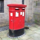 Boîte rouge de courrier à Sheffield Image stock
