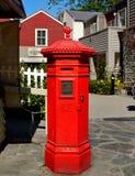 Boîte rouge de courrier de vintage, boîte aux lettres Photo libre de droits