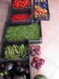 Boîtes à fruits et légumes images stock