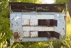 Boîtes aux lettres de vintage pour des lettres et des journaux Photographie stock libre de droits