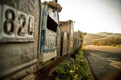 Boîtes aux lettres scéniques sur la côte de la Californie. Photographie stock