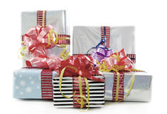 Boîtes de cadeaux de Noël d'isolement Photos libres de droits