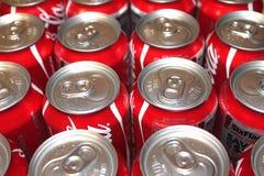Boîtes de coke avec des dessus de bruit Photos libres de droits
