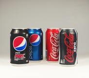 Boîtes de coke et de Pepso Photo libre de droits