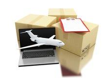 boîtes de 3d Carboard avec l'ordinateur portable, l'avion et la liste de contrôle Photographie stock