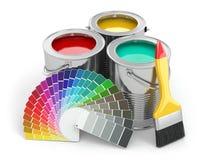 Boîtes de peinture avec la palette et le pinceau de couleur. Images libres de droits