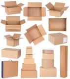 Boîtes en carton d'isolement sur le fond blanc Photos libres de droits