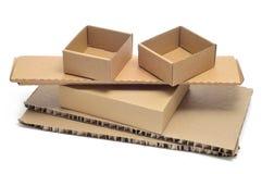 Boîtes en carton et carton ondulé Photographie stock