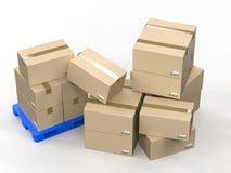 Boîtes en carton sur la palette en plastique Images libres de droits