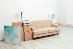 Boîtes et substance de ménage mobiles image libre de droits